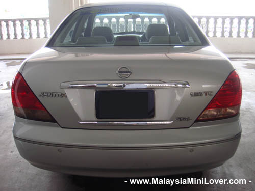 2004 Nissan Sentra rear view